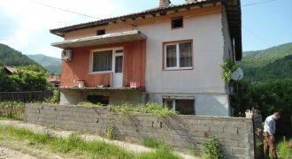 Къща в близост до Сандански
