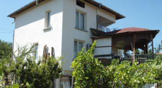 Къща в района на Сандански