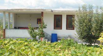 Къща около град Сандански