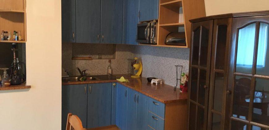 Продава тристаен апартамент в широкия център на гр. Сандански